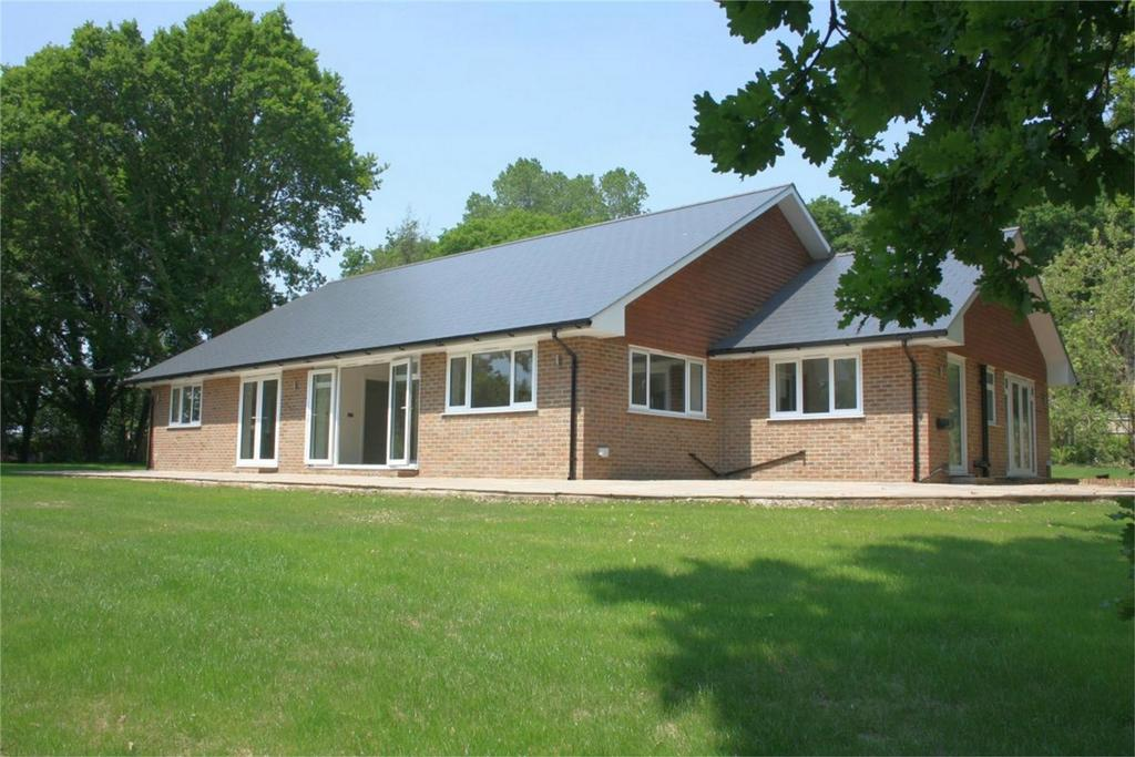 4 Bedrooms Detached Bungalow for sale in Churchland Lane, SEDLESCOMBE, East Sussex