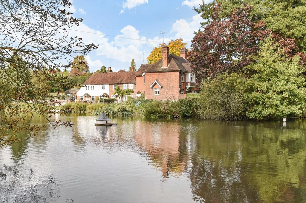 3 Bedrooms Link Detached House for sale in Wateringbury, Maidstone