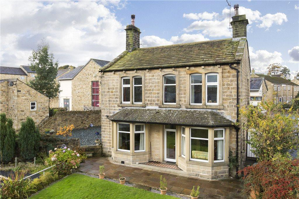 3 Bedrooms Unique Property for sale in Keighley Road, Cowling, Keighley, North Yorkshire