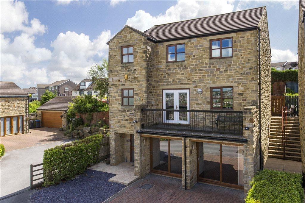 5 Bedrooms Detached House for sale in High Pastures, Keighley, West Yorkshire