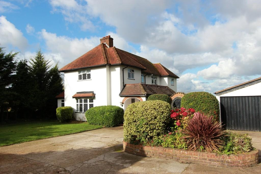 4 Bedrooms Detached House for sale in Woodmansterne Lane, Carshalton
