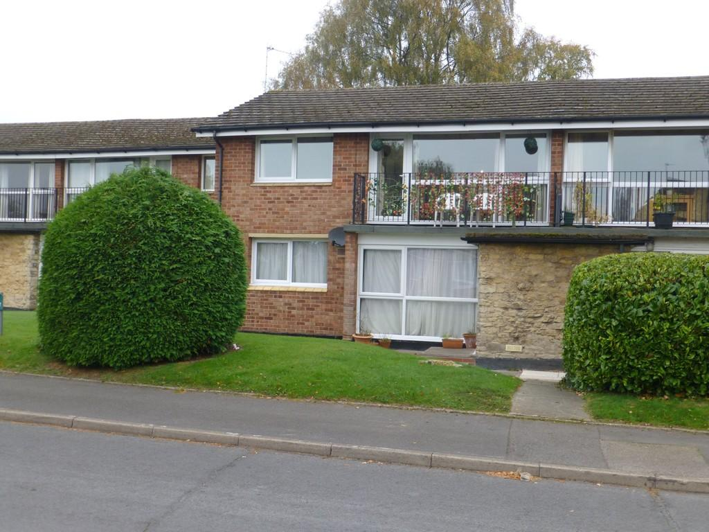 2 Bedrooms Flat for sale in Bellamy Farm Road, Shirley