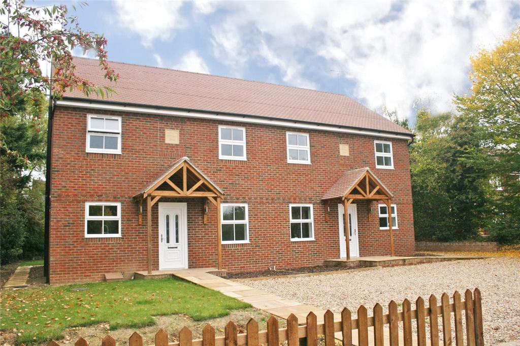 4 Bedrooms Semi Detached House for sale in Hawkins Hall Lane, Datchworth, Knebworth, Hertfordshire