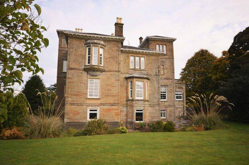 2 Bedrooms Flat for sale in Flat 6, 3 Racecourse View , Ayr , KA7 2TS