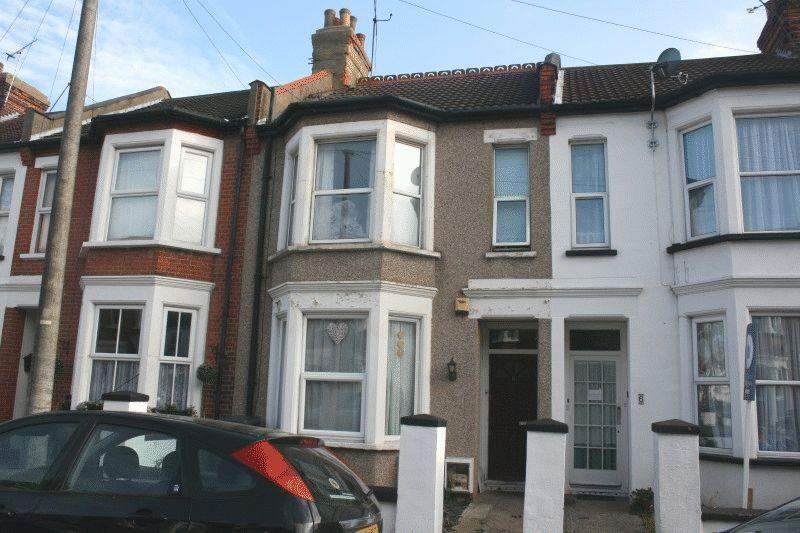 2 Bedrooms Flat for sale in Stromness Road, Southend-On-Sea