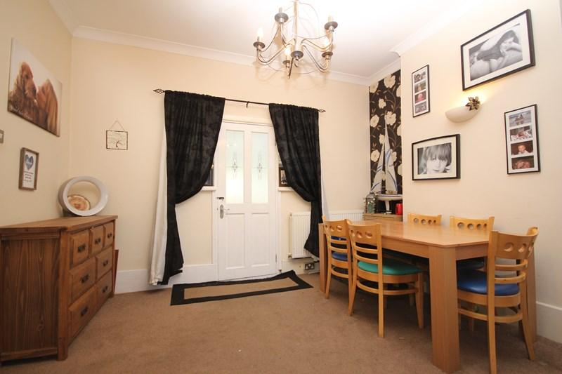 3 Bedrooms Detached House for sale in Thorpe Road, Clacton-On-Sea