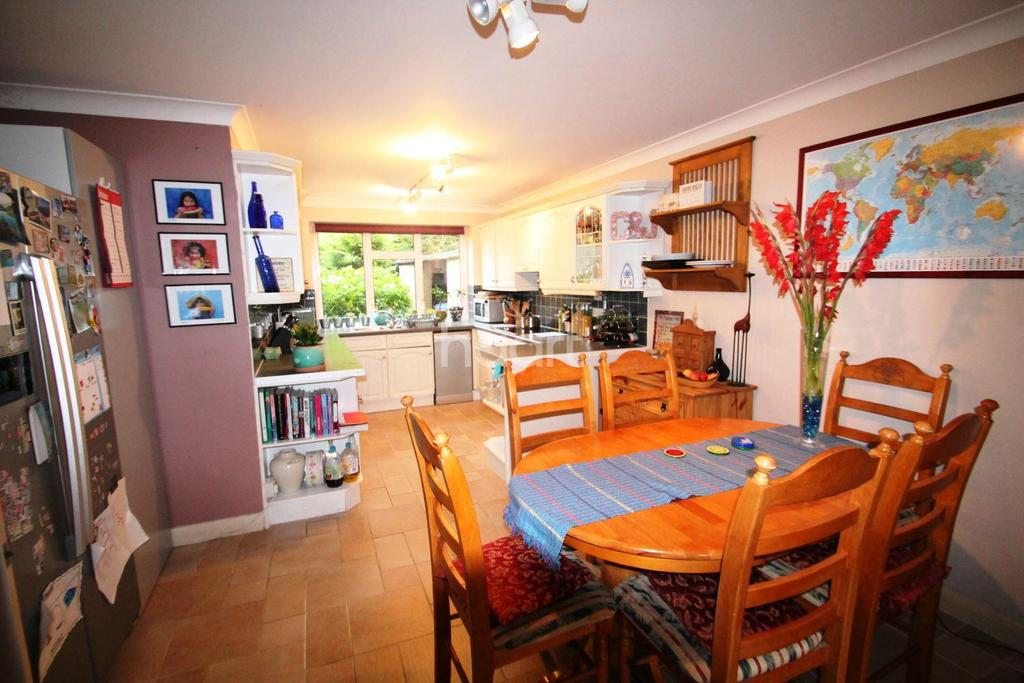 2 Bedrooms Flat for sale in River Area
