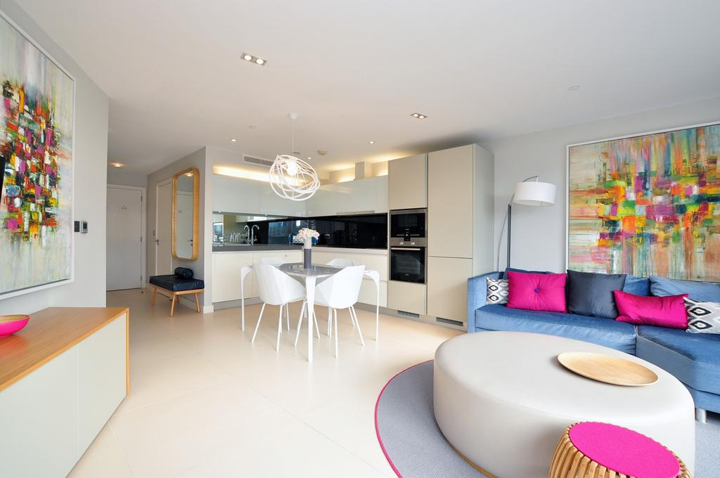 2 Bedrooms Flat for rent in Bezier Apartments, City Road, Islington, London, EC1Y