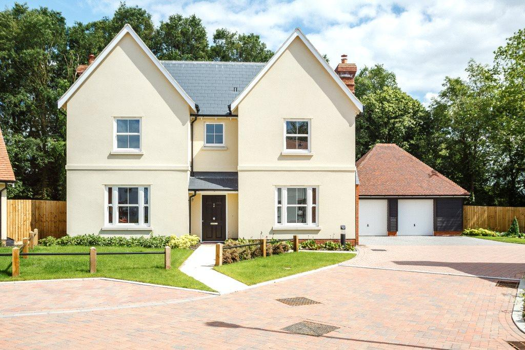 5 Bedrooms Detached House for sale in Old Mill Close, Aythorpe Roding, Dunmow, CM6