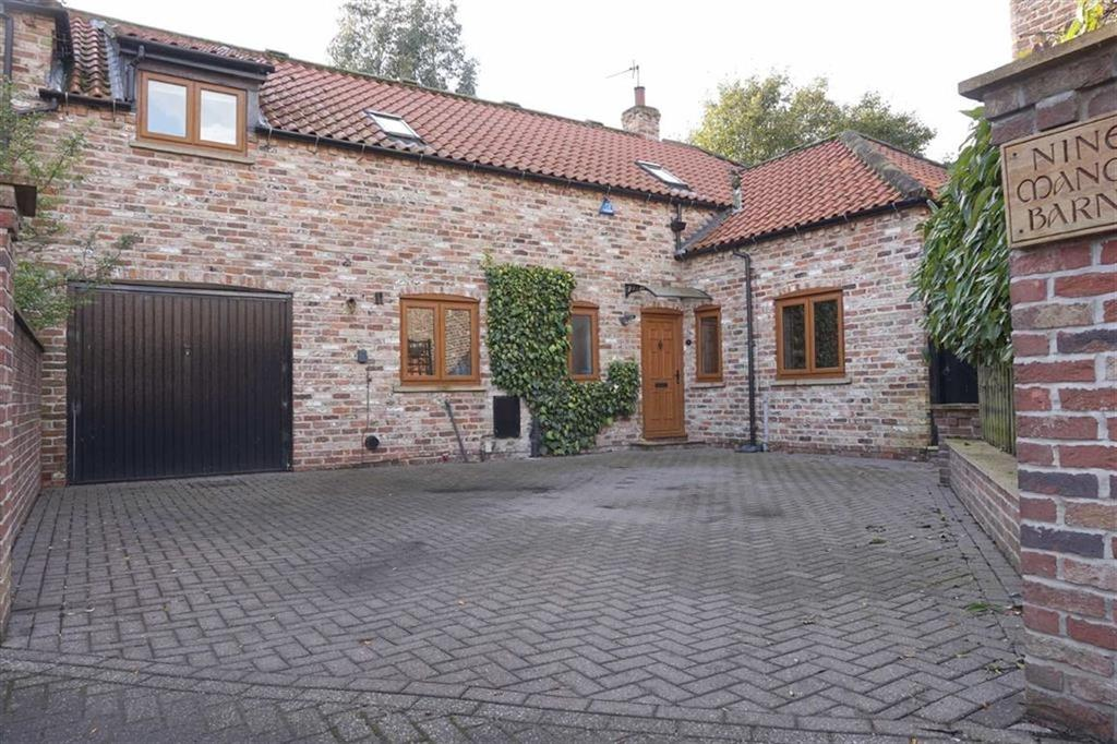 4 Bedrooms Barn Conversion Character Property for sale in Manor Barns, Little Weighton, Little Weighton, HU20