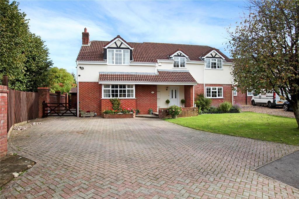 4 Bedrooms Detached House for sale in Cley View, Pound Street, Warminster, Wiltshire