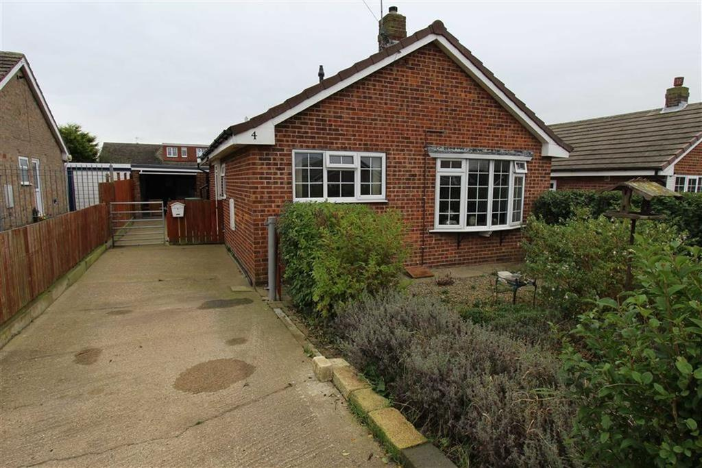 2 Bedrooms Detached Bungalow for sale in Walmsley Close, Bempton, East Yorkshire, YO15