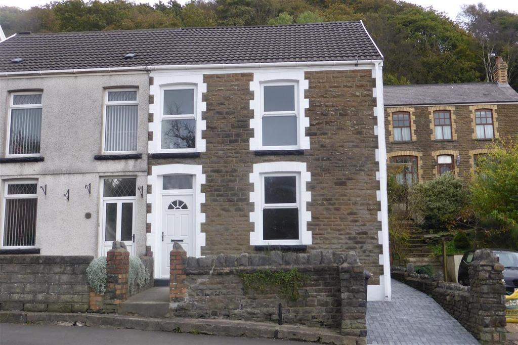 3 Bedrooms Semi Detached House for sale in 50 The Highlands, Neath Abbey, Neath