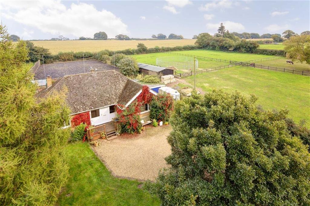 3 Bedrooms Bungalow for sale in Lockley Wood, Market Drayton, TF9