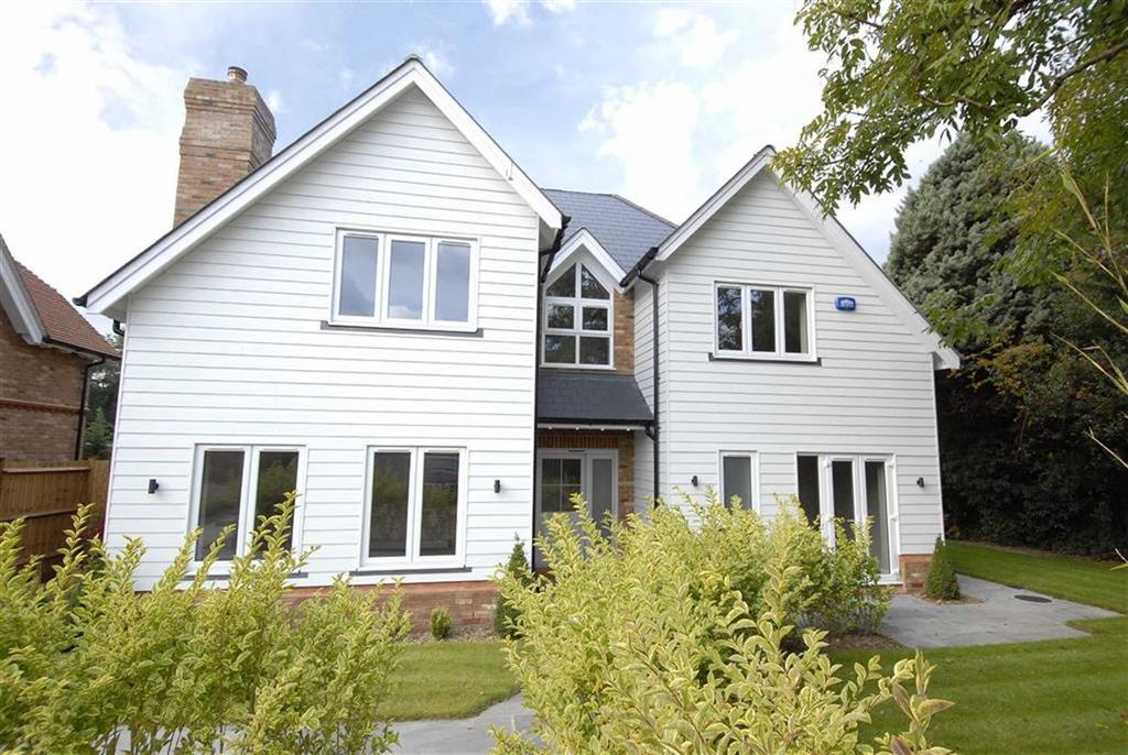 4 Bedrooms Detached House for sale in Livery Stables Close, Keston, Kent