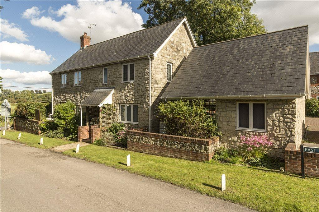 3 Bedrooms Detached House for sale in East Farm Close, Dinton Road, Wylye, Warminster, BA12