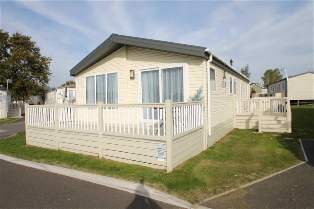 2 Bedrooms Mobile Home for sale in Highfield Grange, Clacton On Sea