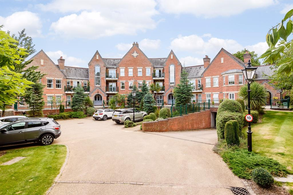 2 Bedrooms Apartment Flat for sale in St Ann's Park, Virginia Water, Surrey GU25 4TF