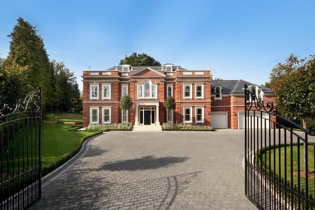 6 Bedrooms Detached House for sale in Titlarks Hill, Sunningdale