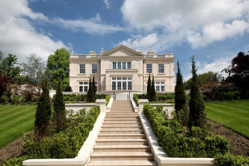7 Bedrooms Detached House for sale in Bruton Park, Spring Woods, Wentworth Estate, Virginia Water, Surrey GU25 4PW