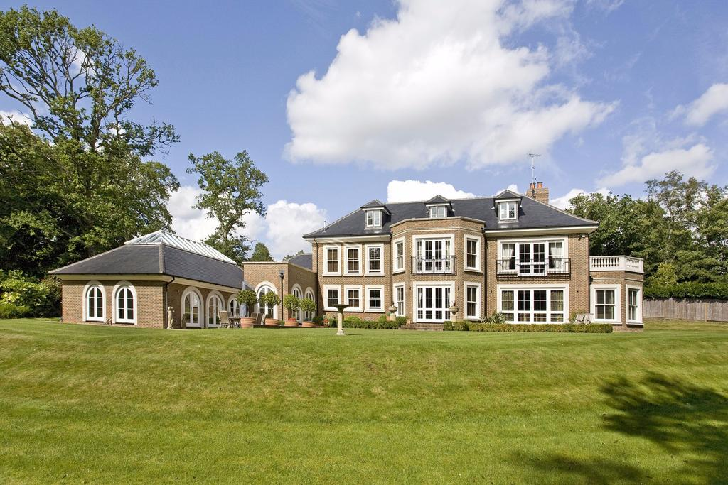 6 Bedrooms Detached House for sale in Keepers Walk, Wentworth, Virginia Water