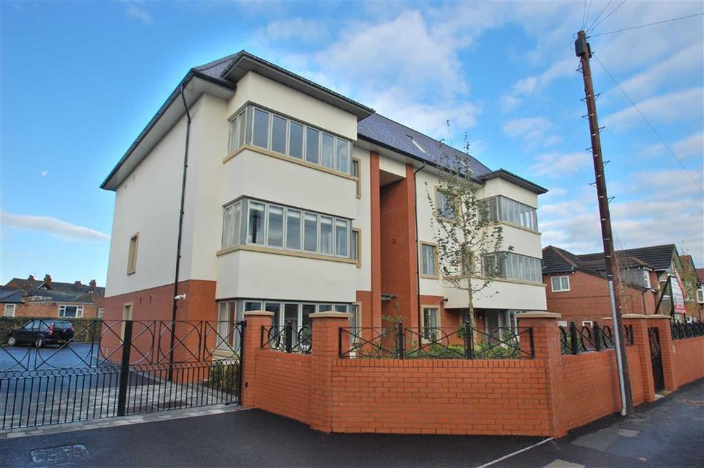 2 Bedrooms Penthouse Flat for sale in The Sortings, Bramhall, Cheshire