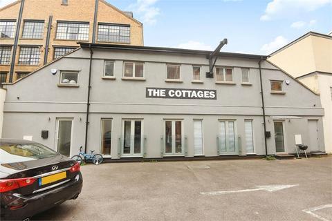 3 bedroom semi-detached house for sale - Market Yard Mews, London Bridge, SE1