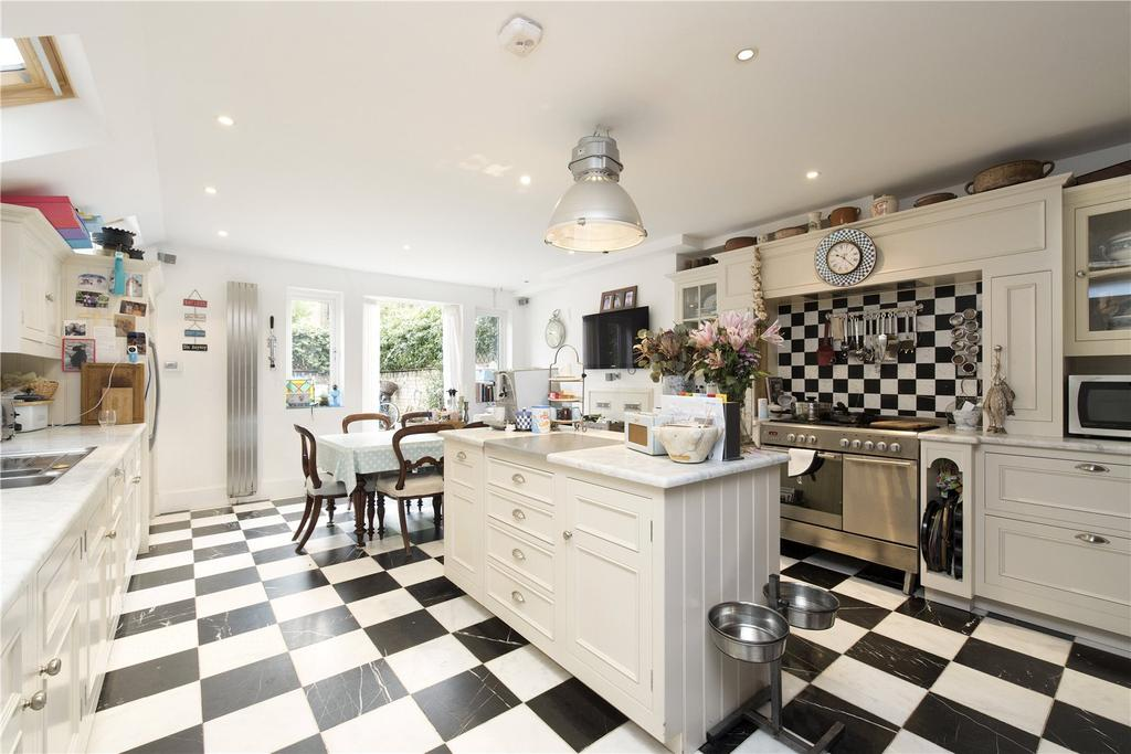5 Bedrooms Terraced House for sale in Winchendon Road, Fulham, London