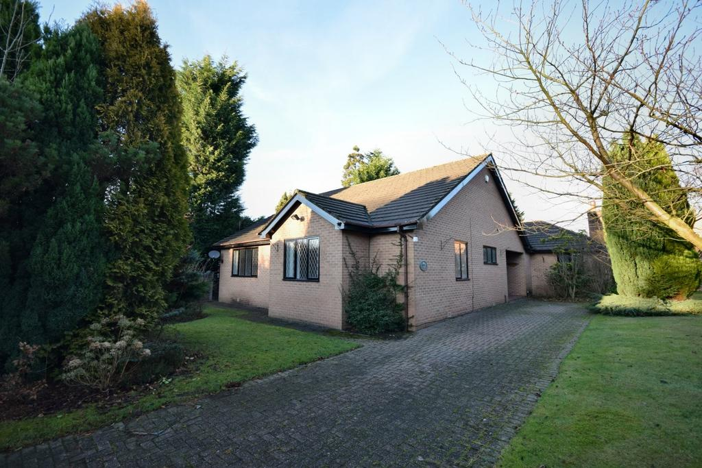 4 Bedrooms Detached Bungalow for sale in Anglesey Water, Poynton
