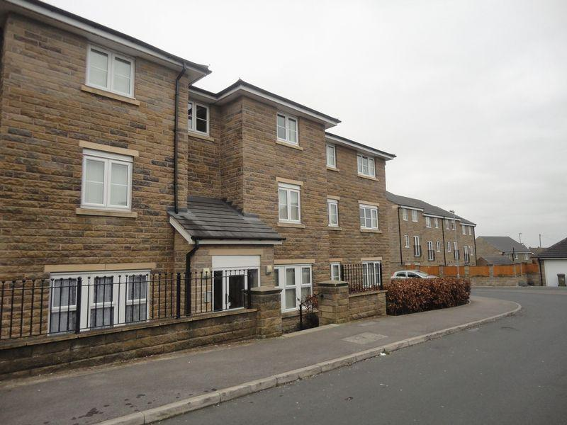 2 Bedrooms Flat for rent in Highfield Chase, Dewsbury