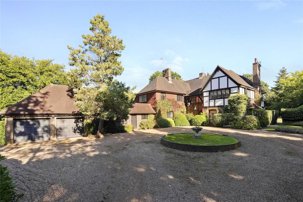 Detached House for sale in South Ridge, St George's Hill, Weybridge, Surrey, KT13