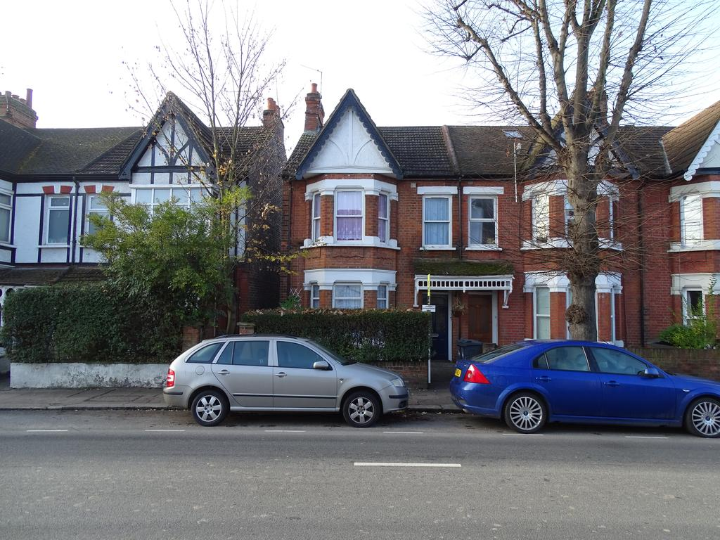 1 Bedroom Flat for sale in Windmill Road, Brentford