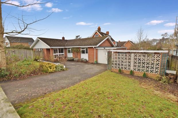 3 Bedrooms Bungalow for sale in Greville Park Road, Ashtead, KT21