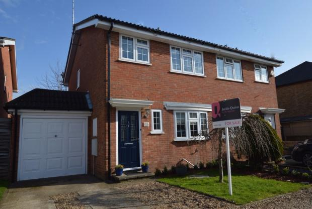 3 Bedrooms Semi Detached House for sale in Maple Road, Ashtead, KT21