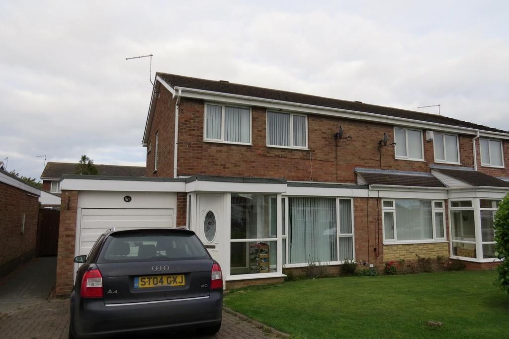 3 Bedrooms Semi Detached House for sale in Bowmont, Highthorne Estate, Ellington