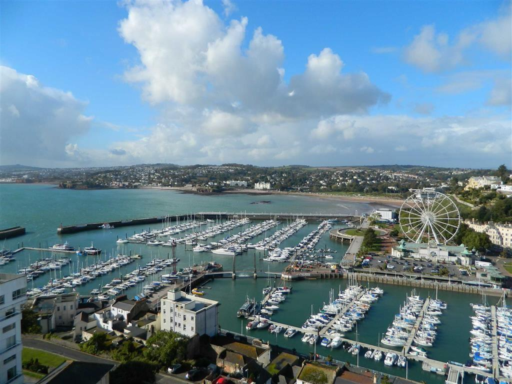 3 Bedrooms Apartment Flat for sale in Vane Hill Road, Penthouse Apartment, Torquay, Devon, TQ1
