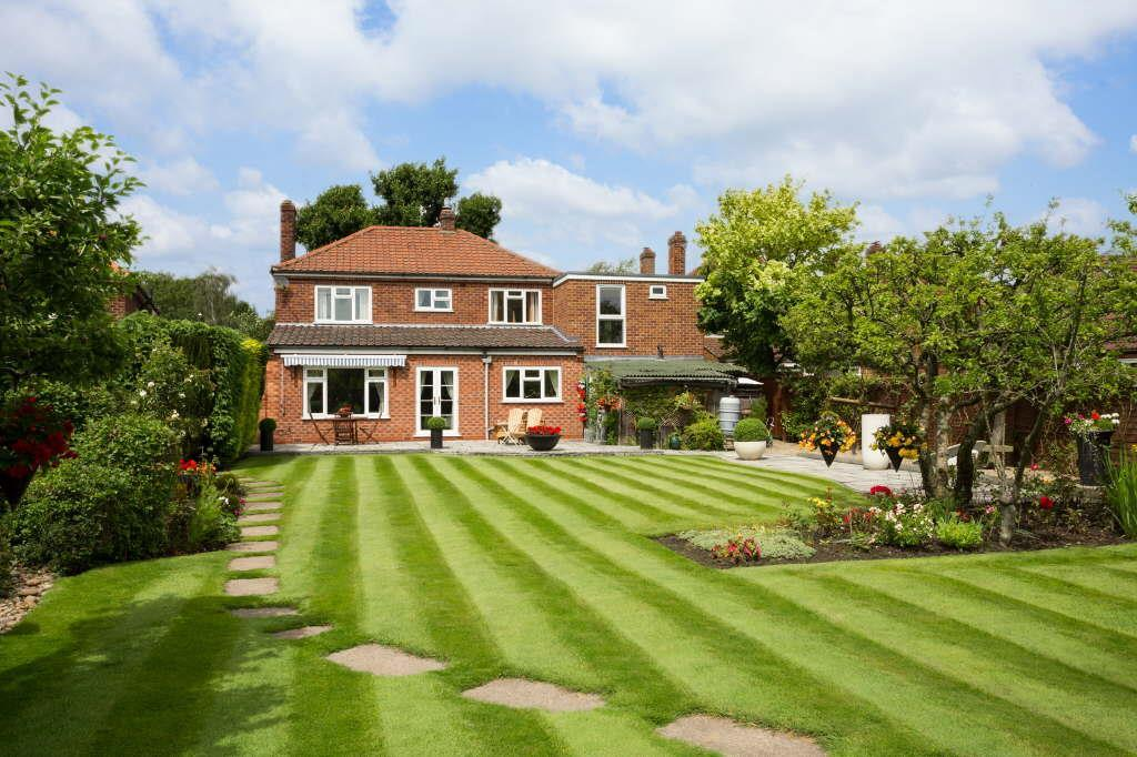 4 Bedrooms Detached House for sale in The Avenue Park Estate, Haxby, York