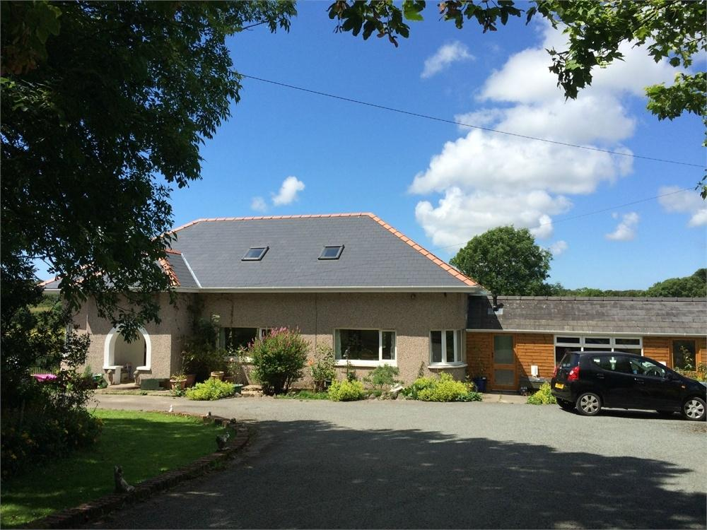 6 Bedrooms Detached House for sale in Brynhyfryd, Upper Thornton, MILFORD HAVEN, Pembrokeshire