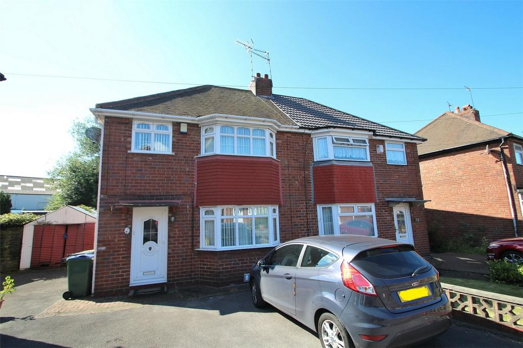 3 Bedrooms Semi Detached House for sale in 15 Lawley Street, WEST BROMWICH, West Midlands