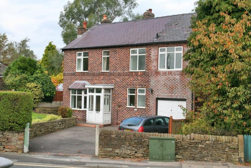 4 Bedrooms Detached House for sale in Henshall Road, Bollington, Macclesfield, SK10
