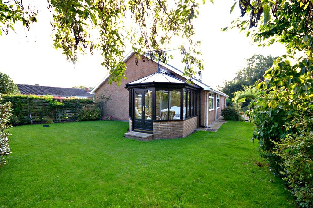 4 Bedrooms Detached Bungalow for sale in Levendale, Hutton Rudby, North Yorkshire