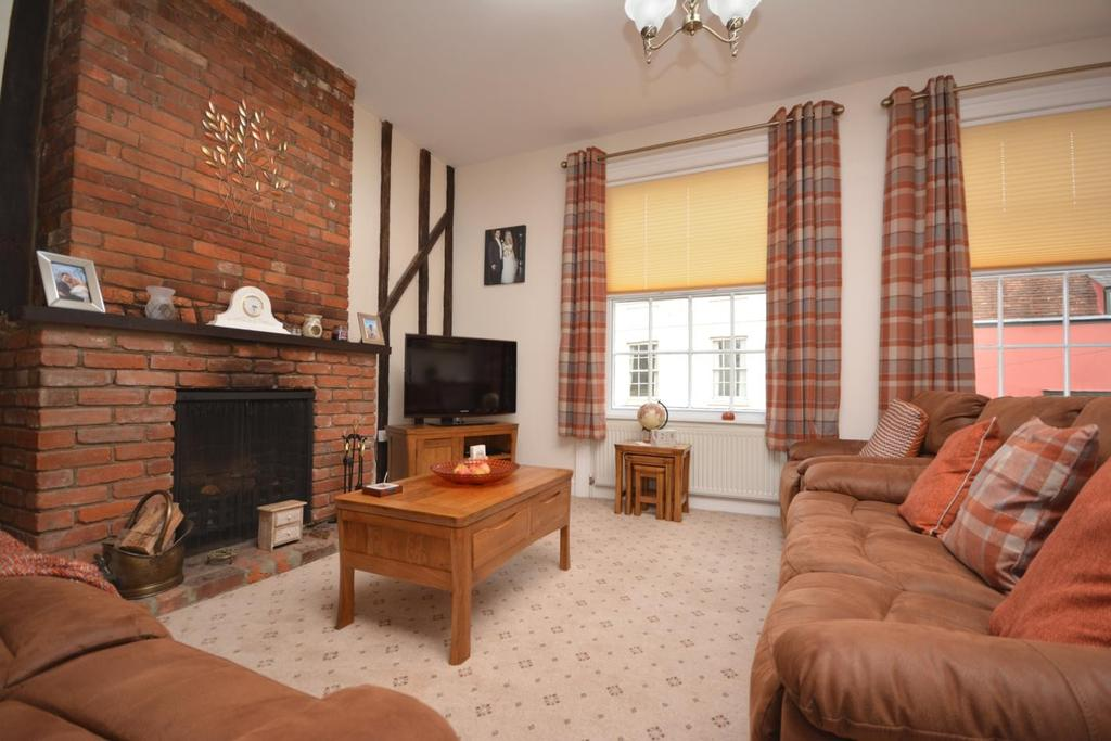2 Bedrooms Maisonette Flat for sale in Bradford Street, Braintree, Essex, CM7