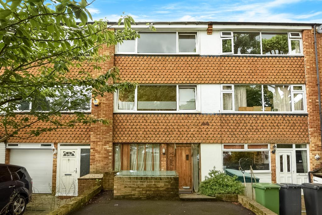 4 Bedrooms Town House for sale in Leyland Road London SE12