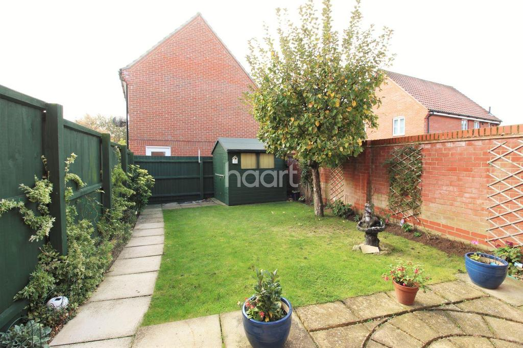 3 Bedrooms Semi Detached House for sale in Draper Way