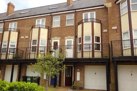 4 bedroom townhouse to rent - Thornbury Avenue, Far Headingley, Leeds, West Yorkshire