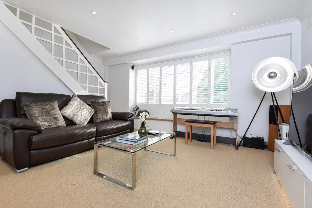 2 Bedrooms Maisonette Flat for sale in Eltham Road Lee SE12