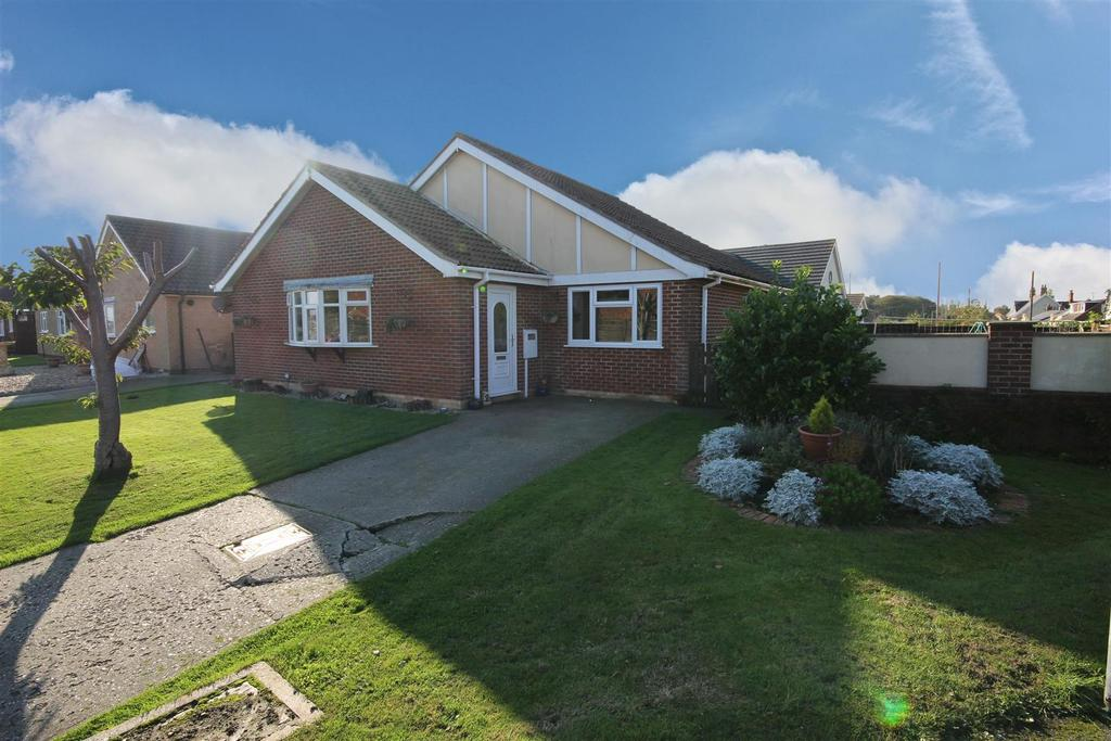 3 Bedrooms Detached Bungalow for sale in 2 Parklands, Mablethorpe, Lincolnshire