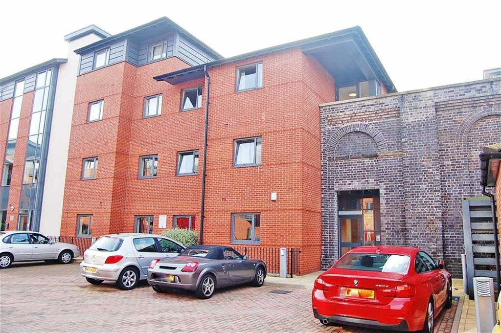 2 Bedrooms Apartment Flat for sale in Broad Gauge Way, Low Level Station, Wolverhampton