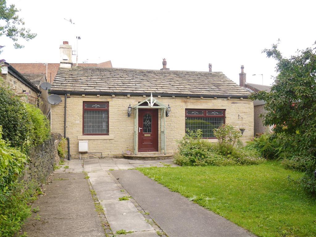 2 Bedrooms Detached Bungalow for sale in Toftshaw Lane, East Bierley, BD4 6QS