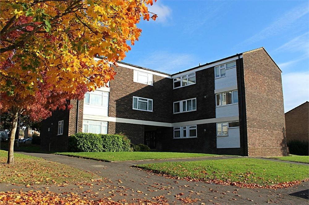 2 Bedrooms Flat for sale in Ullswater, Bracknell, Berkshire